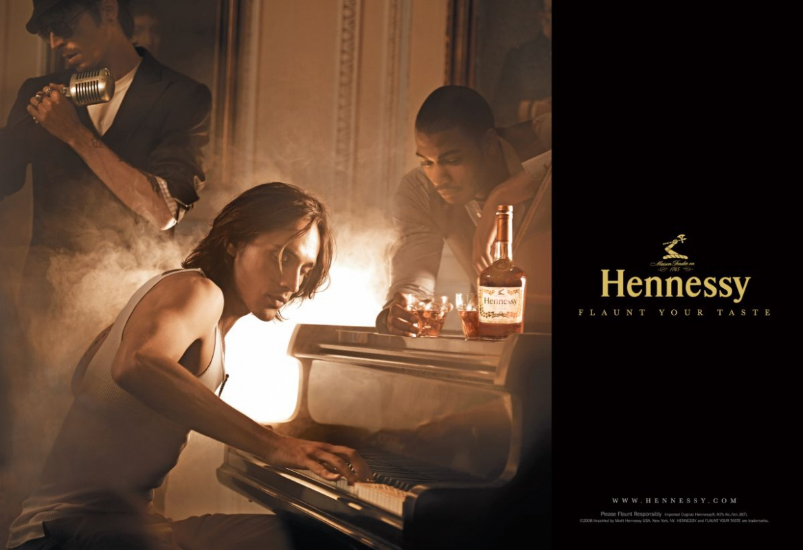 HENNESSY_SPREADS.indd