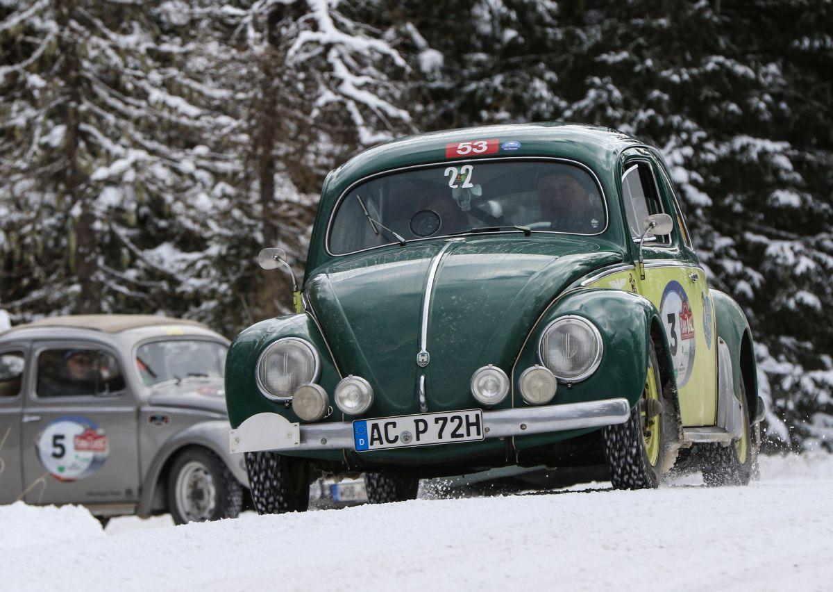 VW Käfer, r.v. 1954 a VW Käfer Mille Miglia, r.v. 1956.