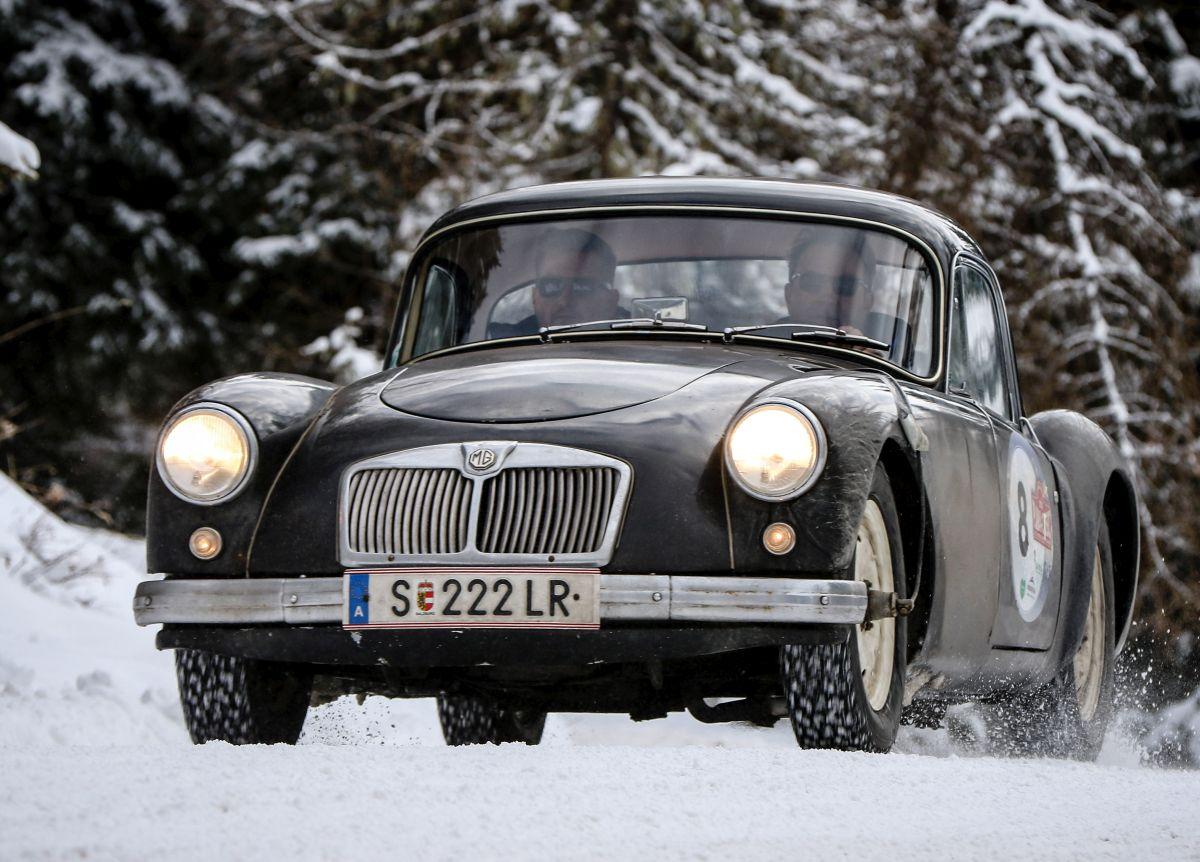 MG A Coupe, r.v. 1957.