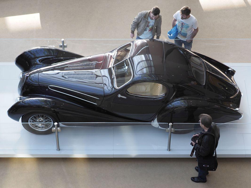 RETRO CLASSICS 2016 - Atrium, Sonderausstellung Louwman Museum, Talbot-Lago 'Special' 150 SS Goutte d'Eau Coupe, Baujahr 1937, 4.0 Liter Hubraum, 160PS