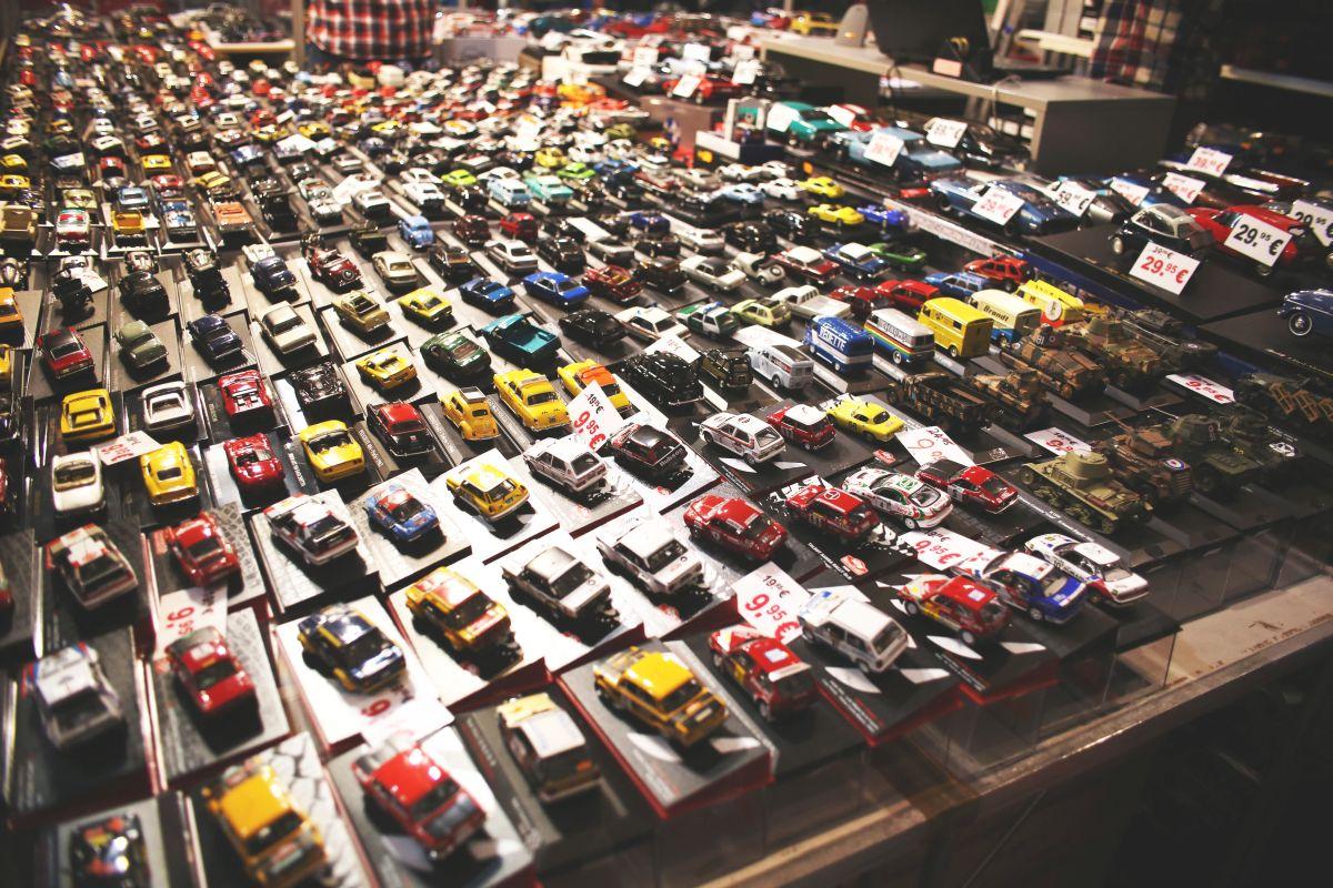 Zberateľské zmenšené modely áut
