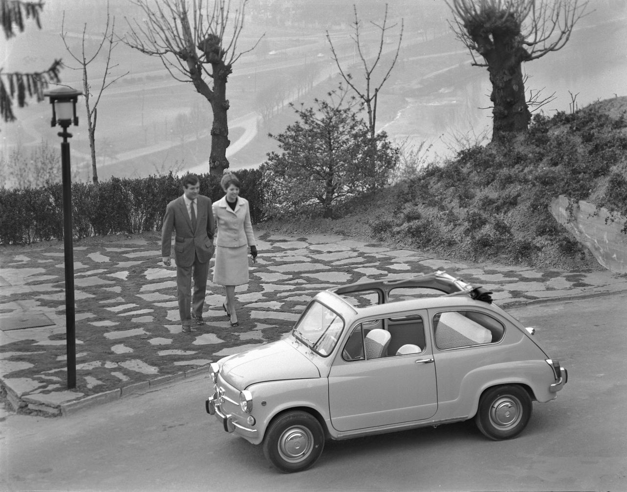 Fiat_600 vs súrodenci