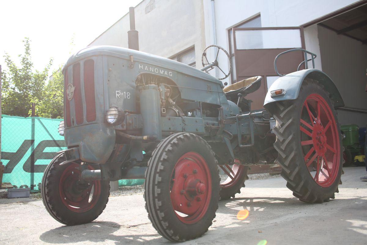 Traktory vo Vintage District 08